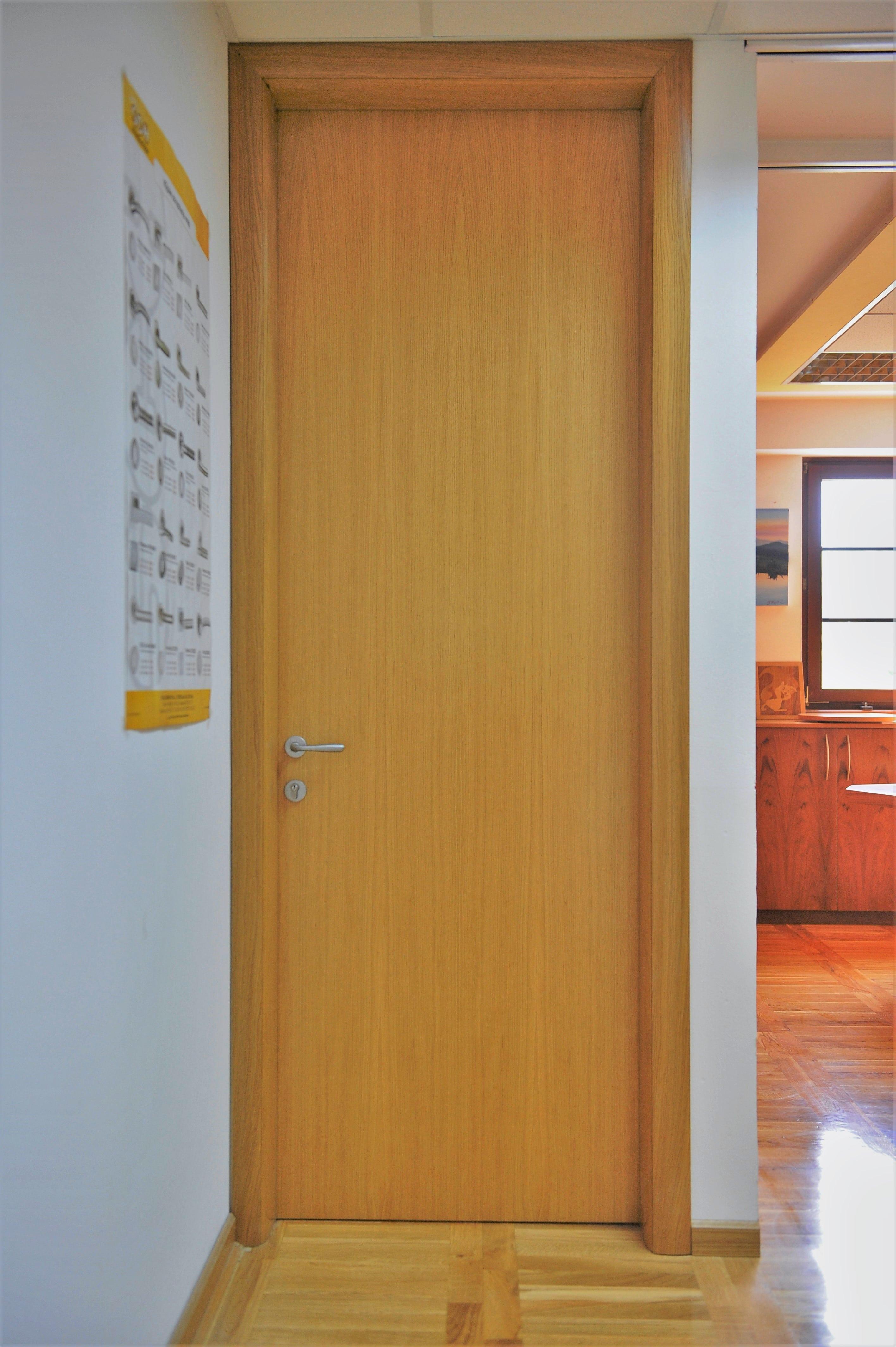 Notranja vrata do stropa
