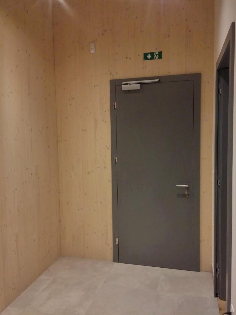 požarna vrata EI30 EN179