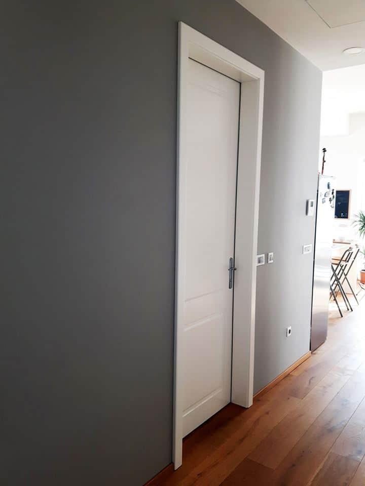 Stilna enokrilna vrata